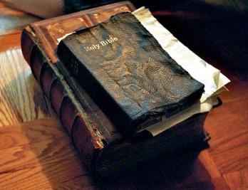 chp_bible1.jpg